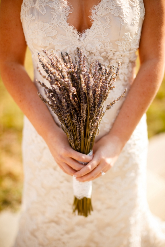 lavender bridal bouquet small budget DIY rustic wedding