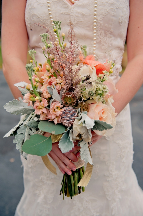 rustic winter wedding flowers floral bouquet