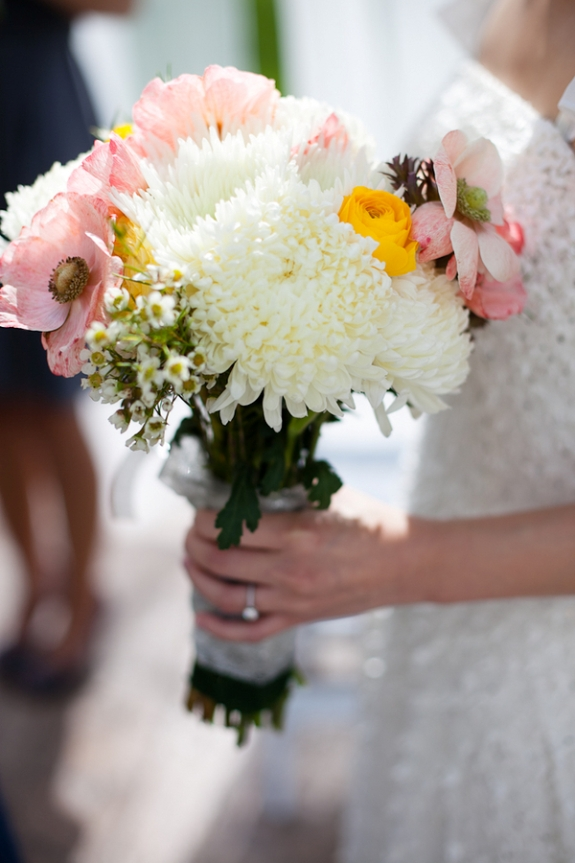 pink and white simple spring bouquet