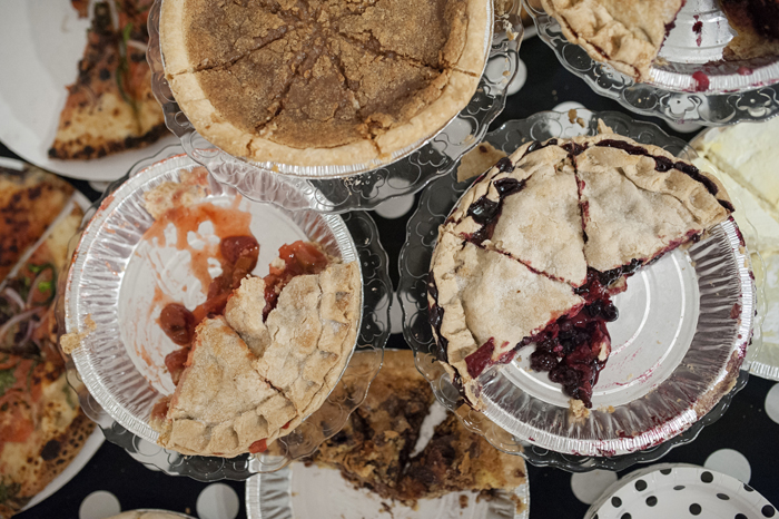 pie day offbeat dc wedding