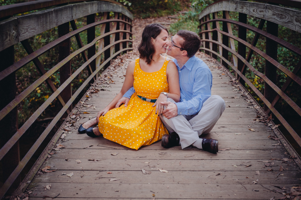 casual fall park Virginia engagement pictures