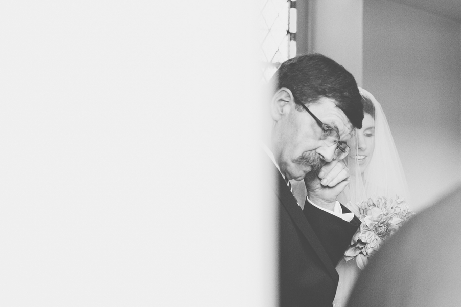 emotional father of bride pictures