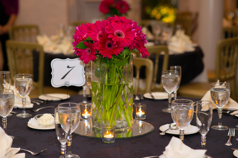 black and hot pink wedding centerpieces