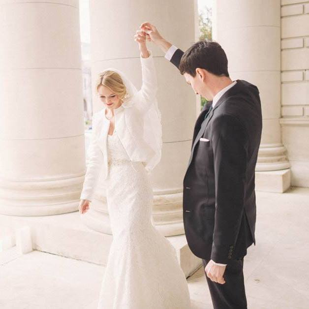 chic winter DC wedding carnegie library