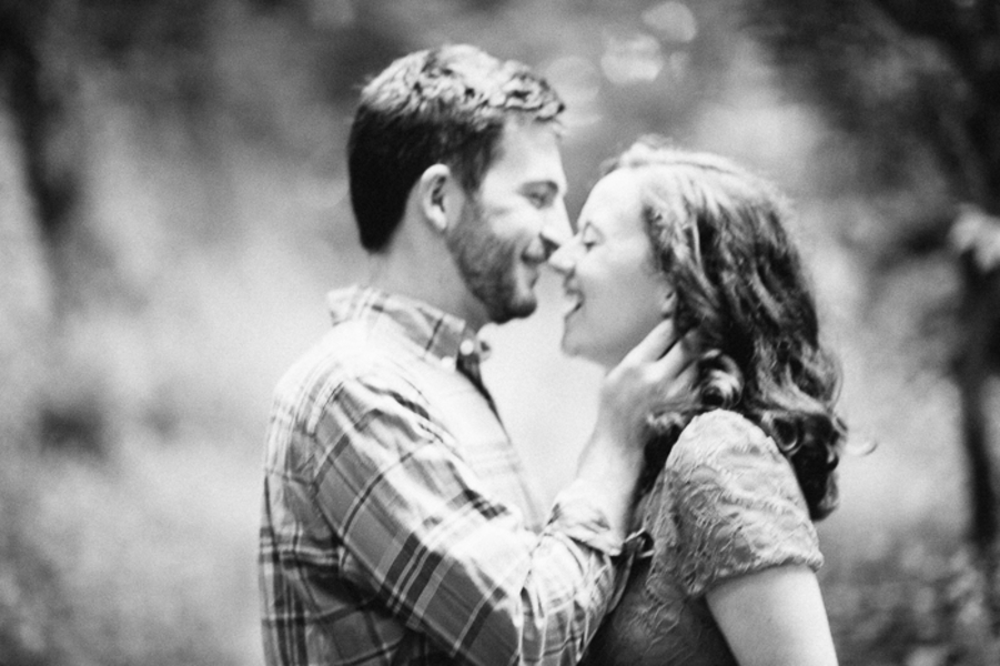 laid back virginia engagement pictures