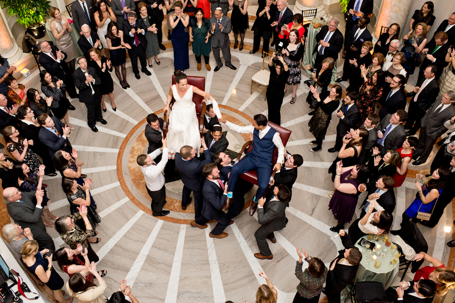 intimate DC winter wedding at Carnegie Insitute for Science