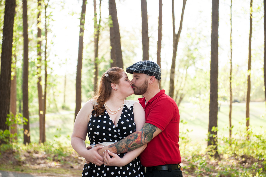 Vintage rockabilly engagement pictures (6)