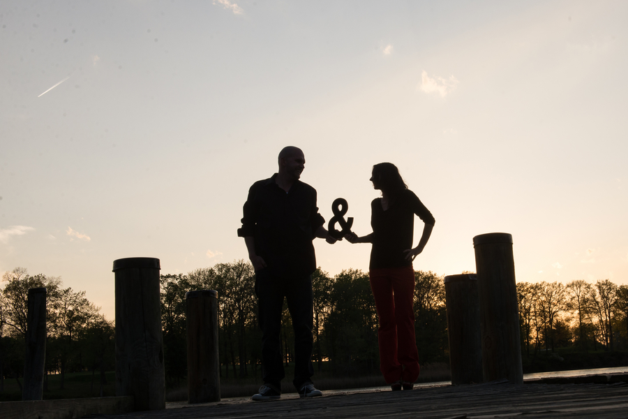 backyard rock and roll engagement pictures (3)
