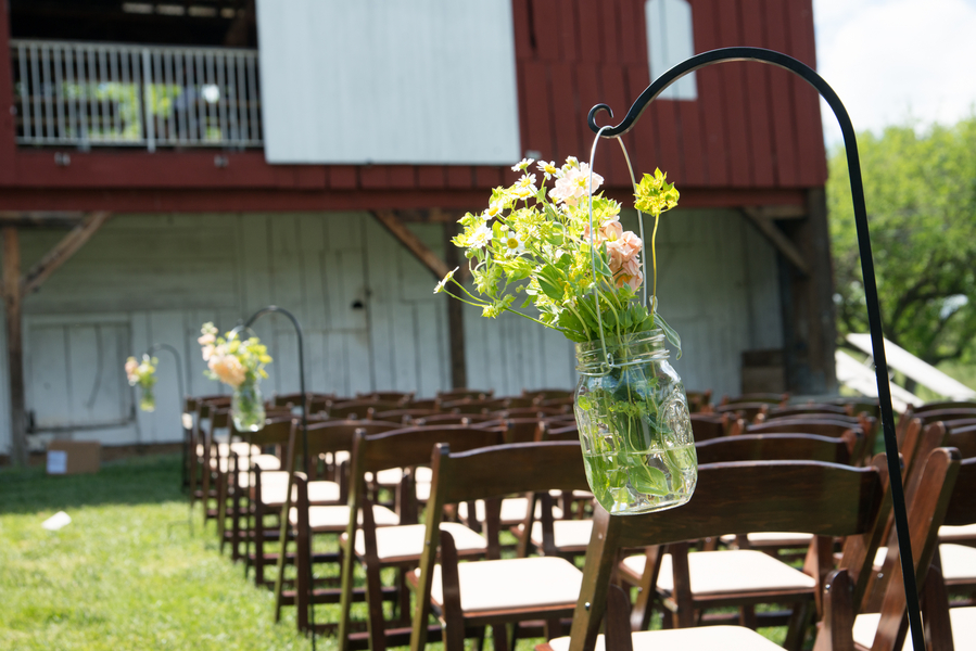 eclectic whimsical smokey glen farm maryland wedding pictures (10)