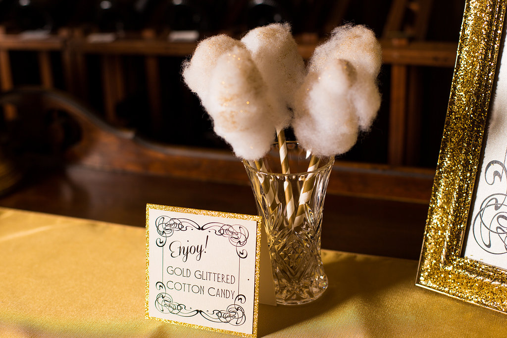 glitter gold 1920s speakeasy themed wedding (17)