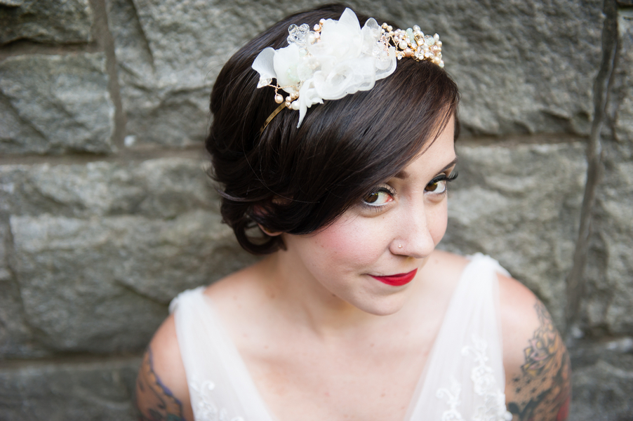 offbeat tattooed bride inspiration hairpiece makeup (2)