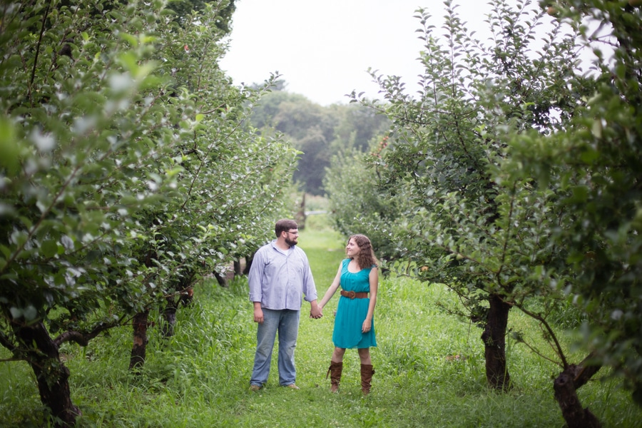 heysers farms maryland engagement pictures (6)