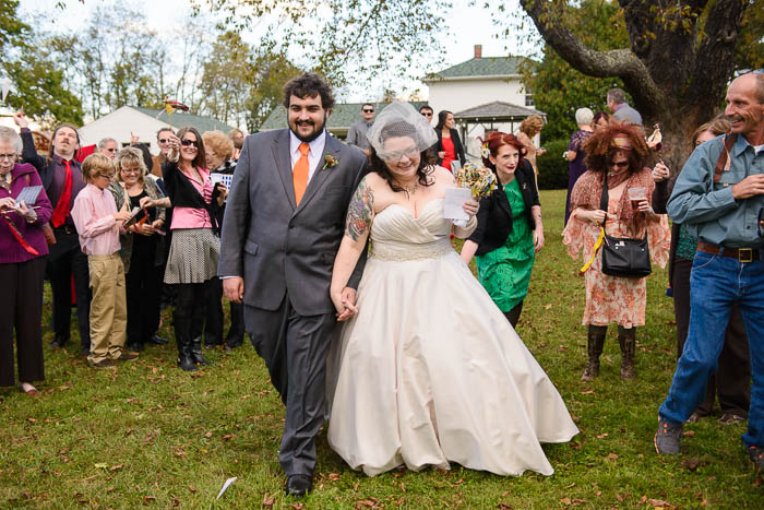 DIY offbeat maryland farm wedding pictures (18)