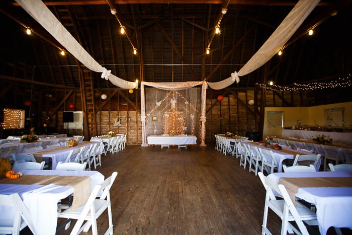 DIY offbeat maryland farm wedding pictures (9)