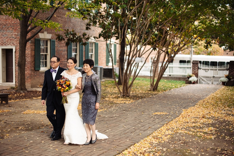 intimate Fall Old Town Alexandria Virginia wedding pictures (25)
