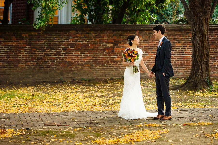 intimate Fall Old Town Alexandria Virginia wedding pictures (4)