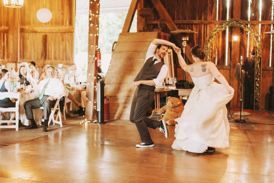 virginia farm barn wedding pictures (30)