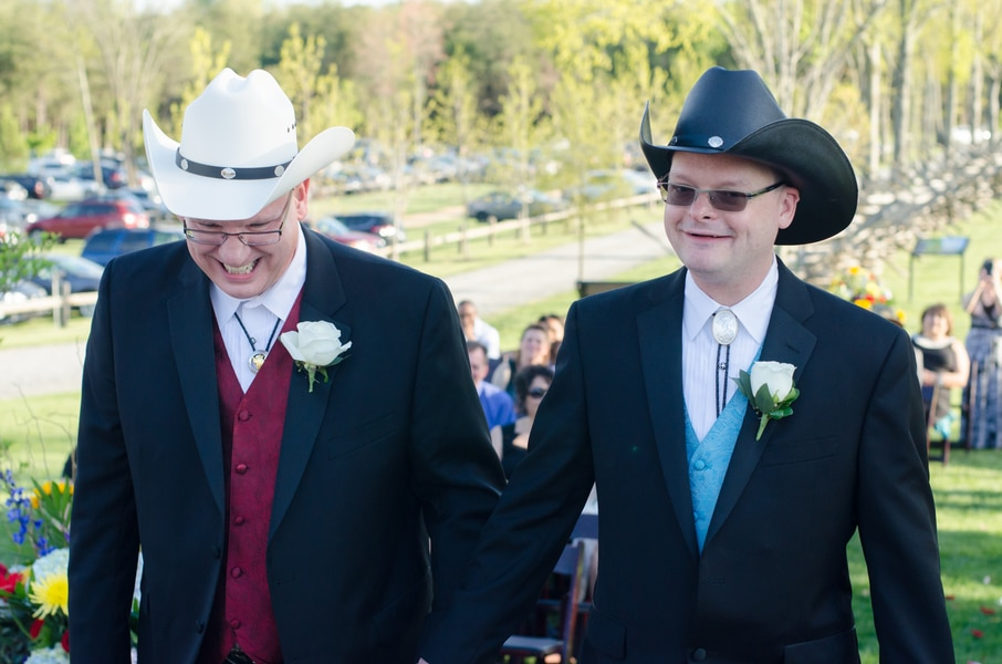 intimate same sex bull run winery wedding in virginia (11)