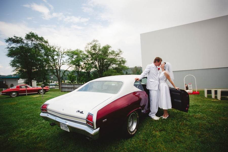 1950s drive in wedding in Virginia (4)