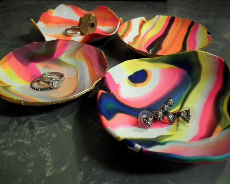 Marbled Dish 11