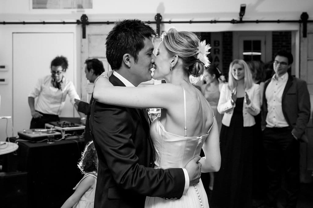 modern-intimate-fathom-gallery-wedding-washington-dc24